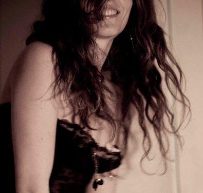 Clara Jasmine : quand la dentelle rencontre le cuivre