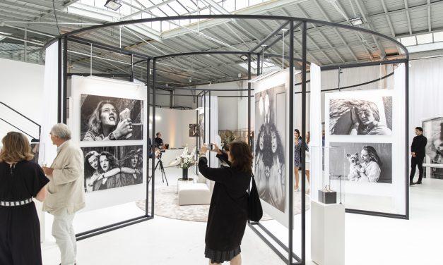 """Exposition Trésor OMEGA """"un jour, une femme…"""" par Nikos Aliagas"""