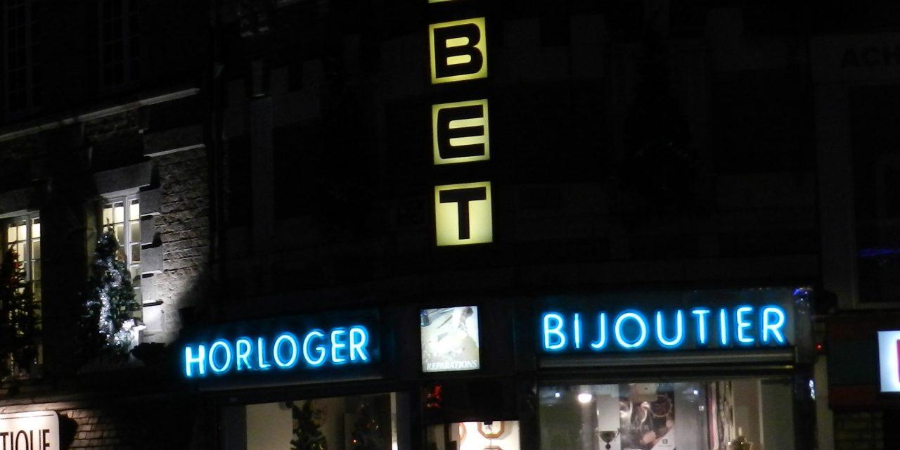 Dans l'Orne (61), vends H.B.J.O. en centre-ville